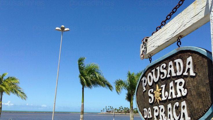 A Pousada Solar da Praça está localizada Porto Seguro, Bahia. A pousada fica em local privilegiado ao lado da Passarela do Álcool onde estão os restaurantes e bares e próximo a balsa de acesso a Arraial d'Ajuda. Conforto e economia no melhor ponto da costa do descobrimento. Café da manhã incluído na diária.