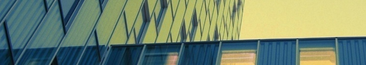 Nave logística en alquiler montada i reixach . 1338 m2 en planta baja y 240 m2 de oficinas equipadas en dos plantas. Nave aislada con patio perimetral. 16 muelles de carga y descarga. 1 báscula. 1 cabestran. Todos los servicios de alta. 20 kW de fuerza. Oficinas con aire acondicionado.