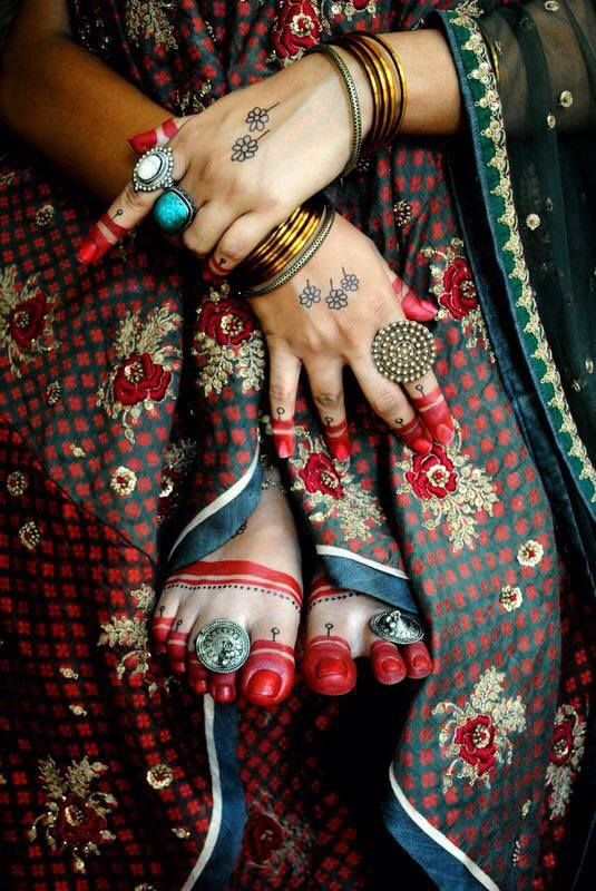 alta design for the Bengali bride