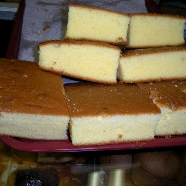 Aprende a preparar marquesote salvadoreño con esta rica y fácil receta. Se baten los huevos en la batidora o a mano primero las claras a que queden a punto de nieve,...