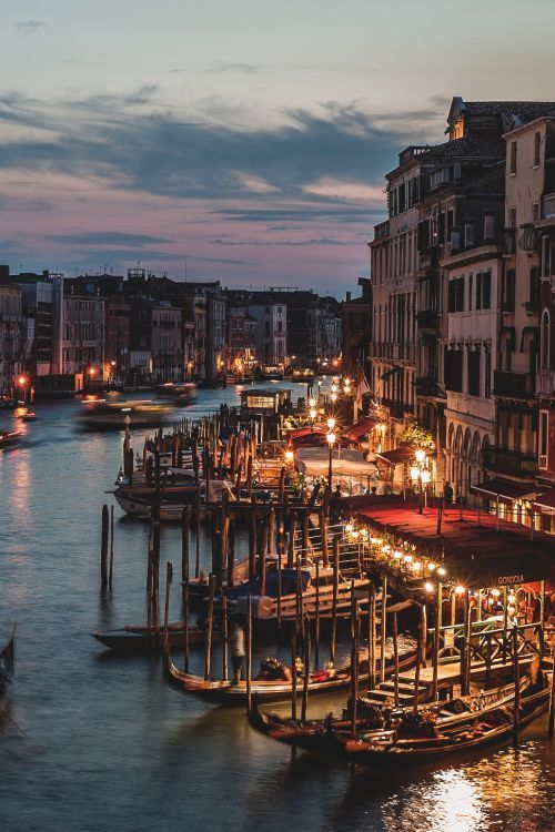 Venice is a truly amazing place to visit. I recommend looking into a short term international data plan if you are directionally-challenged like me. Although Unbound's Vacation Box would be the best thing to unwind with after an evening of getting lost in a beautiful city.