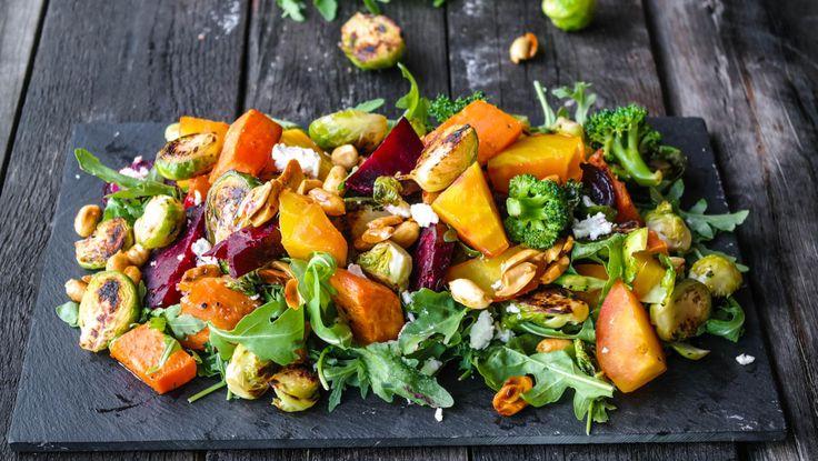 Lun salat med chevre og nøtter