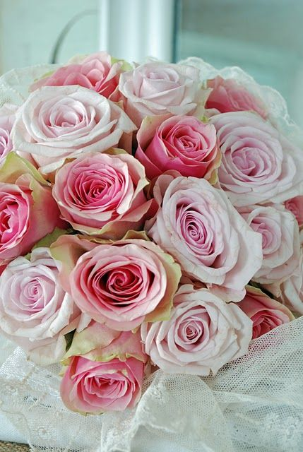 Beautiful: Colors Wedding, Wedding Bouquets, Soft Pink, Flowers Power, Pink Rose, The Secret Gardens, Vintage Rose, Vintage Life, Bouquets Flowers
