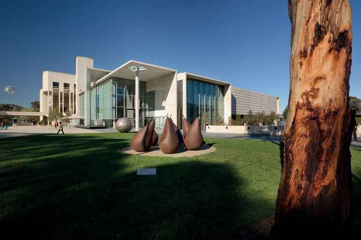 NGA – South Entrance and Indigenous Australian Galleries