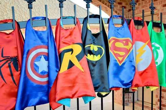Party Pack 10 SUPERHERO CAPES - Superman, Batman, Spider man, Batgirl, Wonder Woman, Flash, Robin, Captain America boy and girl child capes
