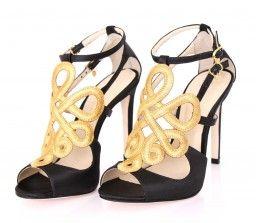 #guilherminashoes  Sandália Cetim Preto - GUILHERMINA http://e-brands.net.br/sandalia-preta-dourada-guilhermina.html