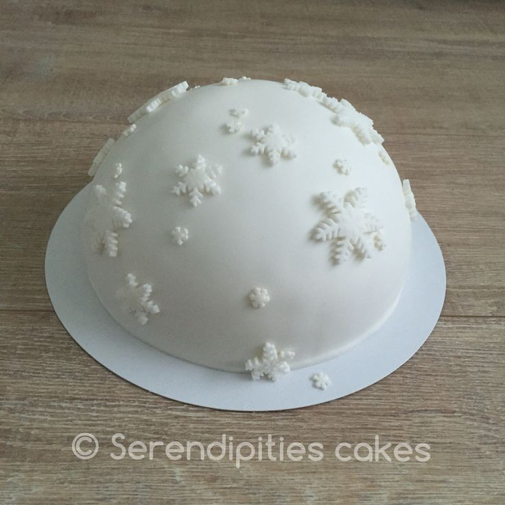 Snowball winter cake