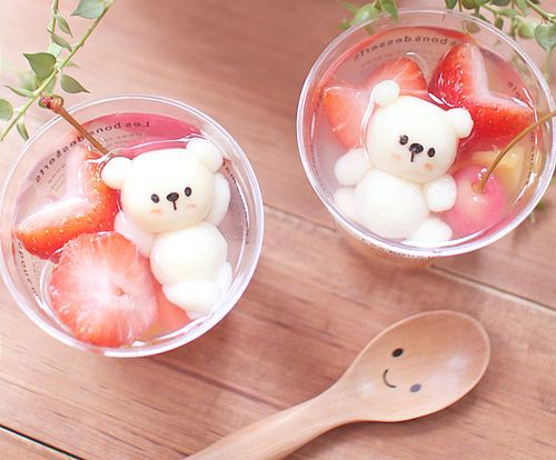 Japanese sweets ~ bears. Kawaii food and desserts. how long would i stare and play with it before eating that! : )