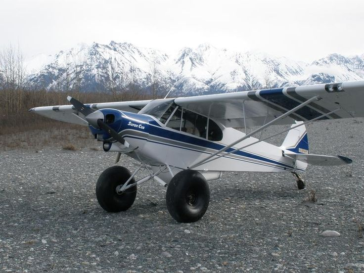 1949 Piper L-18C 'Super Cub' with tundra tyres. Big fun, will have to try this one day.