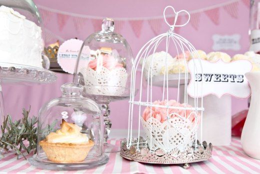 CUTE BIRDCAGES THAT WORK WELL WITH ANY OCCASION INCLUDING WEDDINGS, BABY SHOWERS AND KITCHEN TEAS