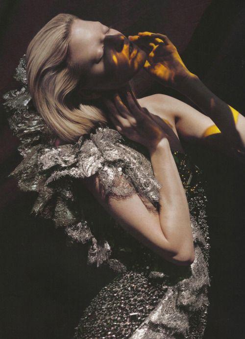 lace: Revue De, French Revue, Elina Kechicheva, Editorial Elina, Modes, Fashion Photography, Light, Modes Editorial