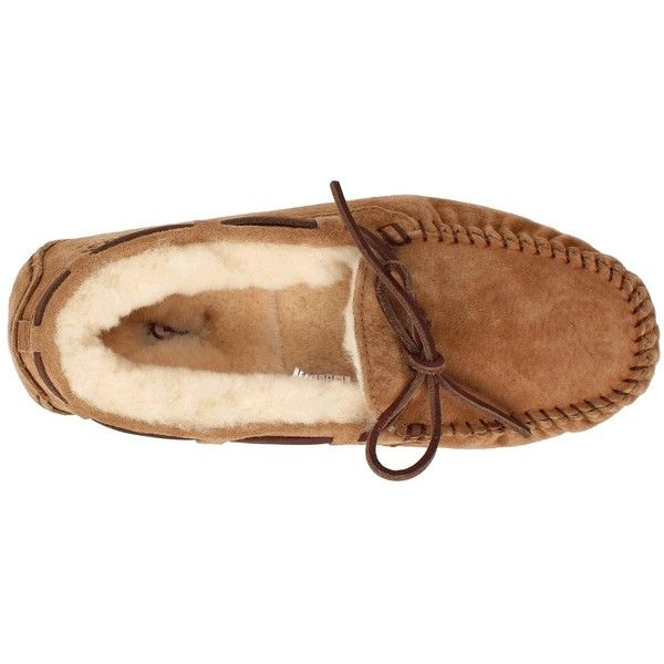 UGG Dakota Women's Moccasin Shoes (130 CAD) ❤ liked on Polyvore featuring shoes, chestnut, flats, ugg australia, flat slip on shoes, slip on moccasins, fur lined shoes and lined moccasins