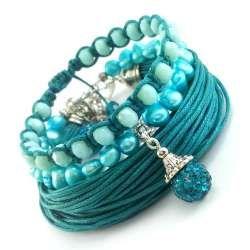 Zestaw turkusowo szmaragdowych bransoletek ze sznurka, pereł naturalnych i kryształków.