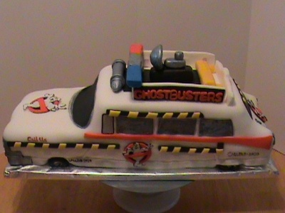 Ghostbusters car By graciecakes on CakeCentral.com