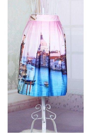 #Fusta Venetia, cu pliuri, cu imprimeu romantic, pentru tinute casual sau elegante. Disponibila pe #TopFashion!