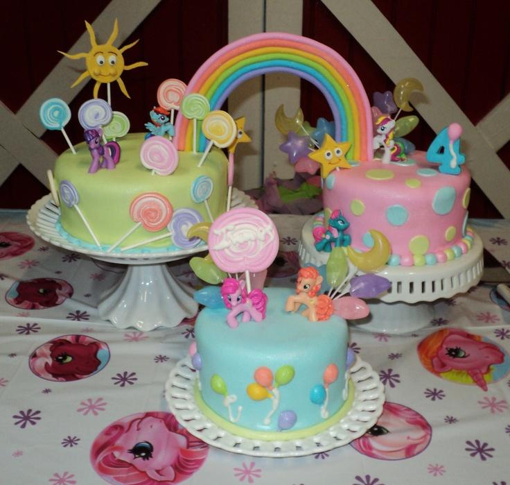 My litlle girl - Vanilla cake with fondant. Lollipops,ballons,stars,sun & rainbow  in gumpaste. The ponys are toys.