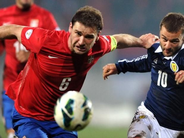 BRANISLAV IVANOVIC (Serbia): El hombre del Chelsea será uno de los grandes ausentes, pues en Europa no lograron derribar a Croacia del segundo lugar del Grupo A para optar al repechaje.