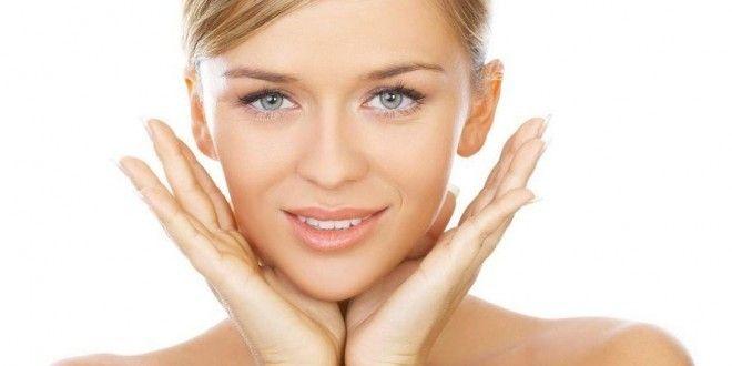 Come fare la pulizia del viso profonda da soli a casa con prodotti naturali