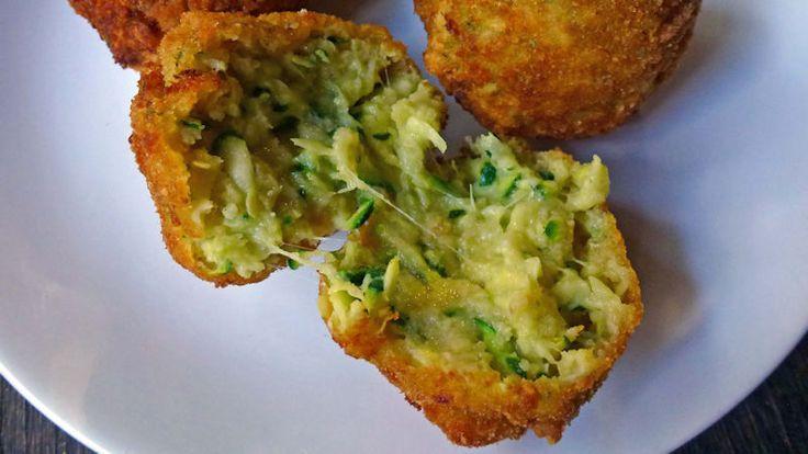 Come preparare Polpette di zucchine e galbanino col Bimby della Vorwerk, impara a preparare deliziosi piatti con le nostre ricette bimby