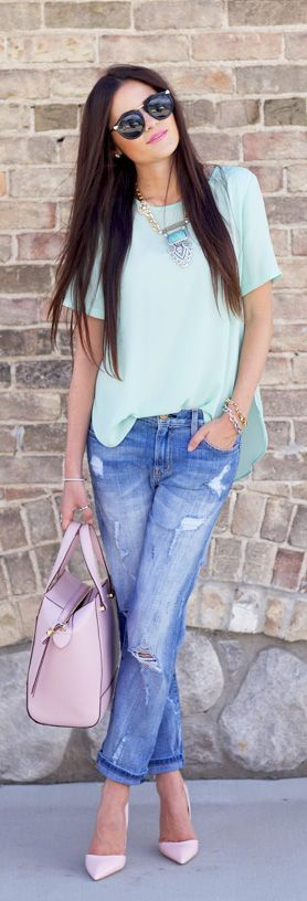 Rachel Parcell is wearing a pastel green top from Topshop, jeans from Current Elliott, shoes from Kurt Geiger, bag from Kate Spade and sunglasses from Karen Walker...   Style Inspiration