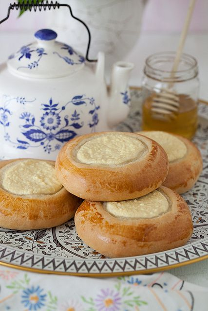 Vatrushka, with farmer cheese.  Ватрушка. #russian_food  #Russian_recipes #Russian_desserts
