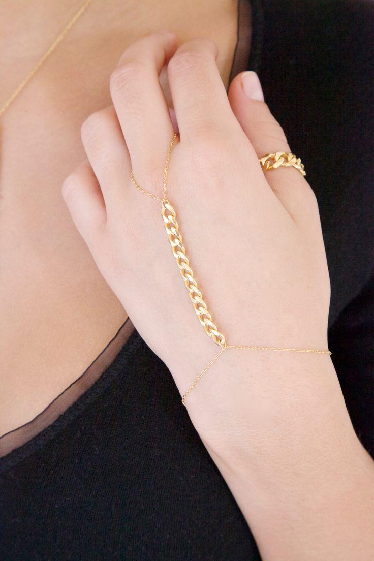Anello o un bracciale? Scegli il gioiello artigianale Barbazzale che soddisfa tutti i tuoi desideri. L'anello bracciale Barbazzale è elegante e raffinato. Acquistalo ora!