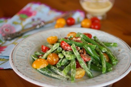 Green Bean and Tomato Salad with Creamy Garlic DressingFresh Green Beans, Garlic Dresses, Creamy Garlic, Tomatoes Salad, Beans Salad, Tomato Salad, Cherries Tomatoes, Food Recipe, Mr. Beans