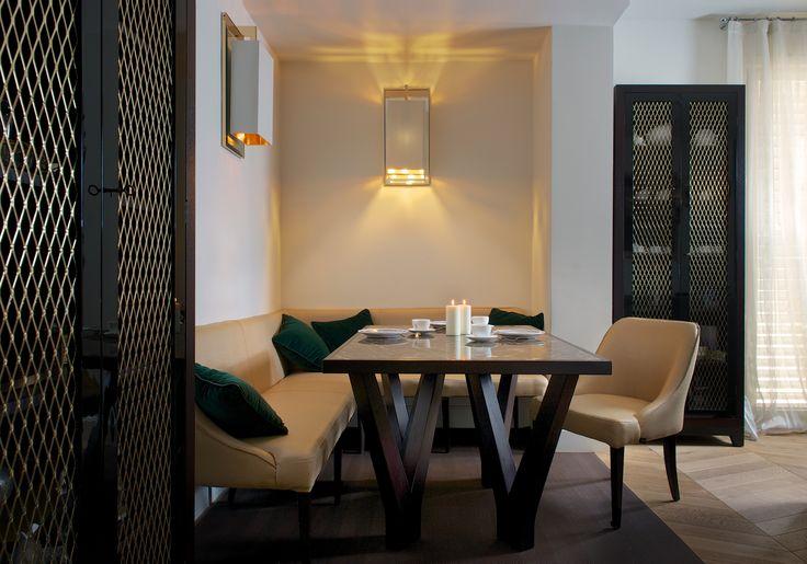 DOM EDIZIONI Vicky bench, vicky dinner #luxuryliving #luxuryfurniture #domedizioni #custom #luxuryhome #homeinteriors