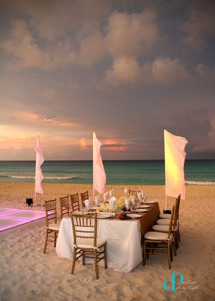 An incredible sunset reception in Cancun! {Paradisus Cancun Resort}