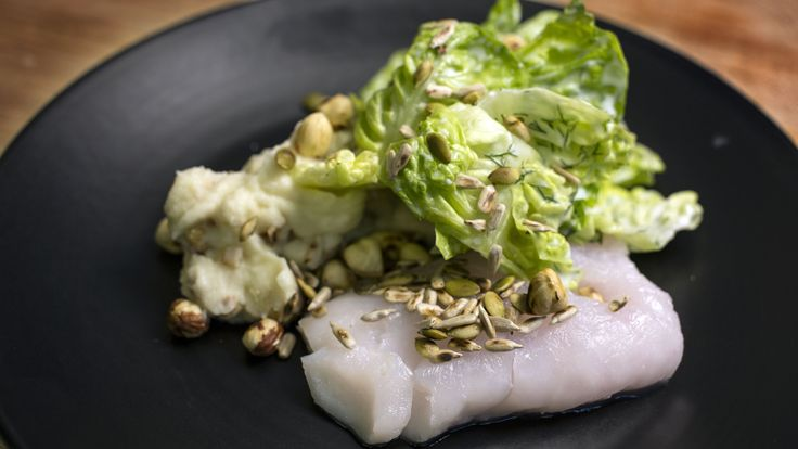 Bagt torsk med blomkålspure, stegt blomkål og hjertesalt