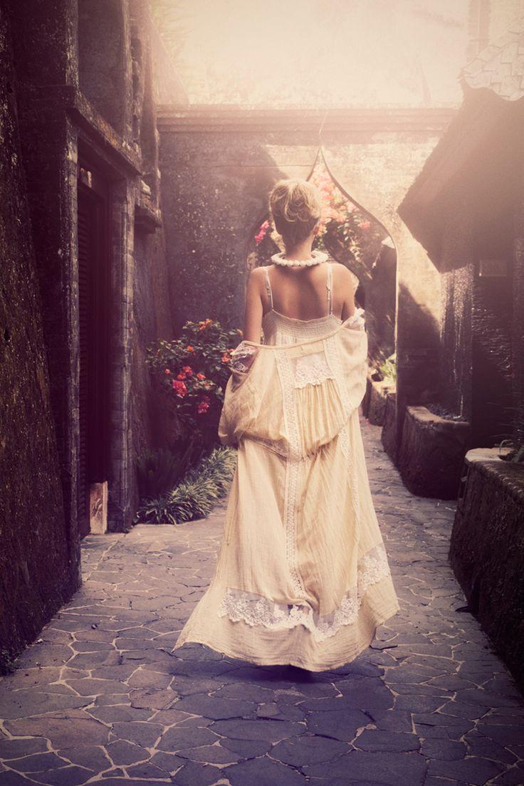 Beautiful, whimsical Spell & the Gypsy by Hannah Lemholt Photography KupuKupu Film Still