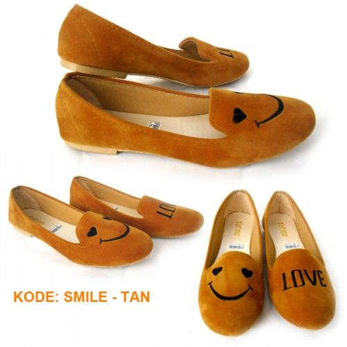 Sepatu Flat Lucu dan cantik ini adalah sepatu yang bisa dipakai dalam segala keperluan, bahkan umum digunakan sebagai sepatu sehari-hari.            Untuk pakaian, sepatu flat Lucu dan cantik initidak pernah memilih jenis pakaian, pakaian apa ...