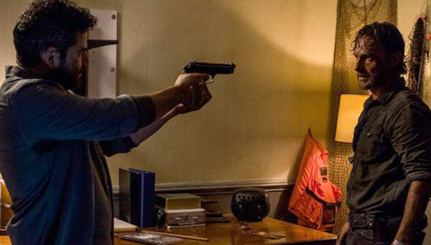'The Walking Dead' Recap: Rick & Morales Go Head-To-Head As The War Wages On https://tmbw.news/the-walking-dead-recap-rick-morales-go-head-to-head-as-the-war-wages-on  Can Rick convince Morales to spare his life now that they are reunited on 'The Walking Dead'? Our full recap reveals the outcome of their shocking confrontation.We start this episode with overly confident King Ezekiel (Khary Payton) amping his people, including Carol (Melissa McBride) up for the Saviors arrival. While his…