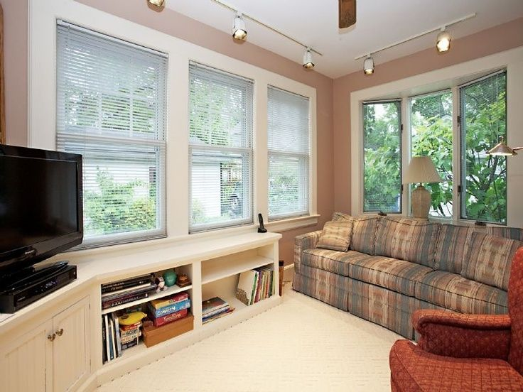 Small sunroom decorating small sunroom den idea home for Home decorating ideas den