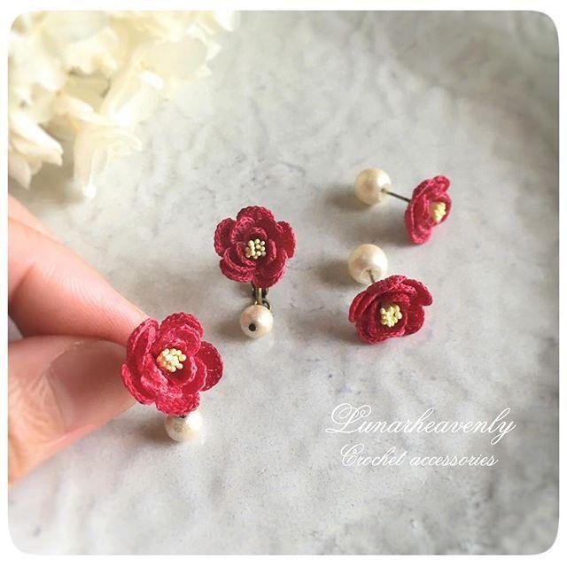 新作のお花、椿の耳飾りができました。 イヤリングには揺れるコットンパールを、ピアスにはパールキャッチを。 こちらも9/7〜13うめだ阪急でのリボンマルシェへ♡…