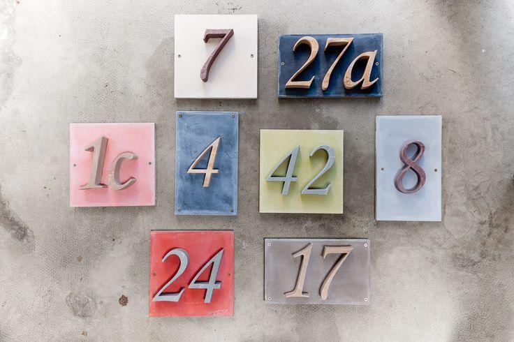 ber ideen zu hausnummern auf pinterest hausnummer zeichen u eres erscheinungsbild. Black Bedroom Furniture Sets. Home Design Ideas