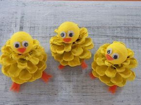 Küken guckt, Pine Cone Ostern Handwerk Ornament, Pine Cone Craft Dekoration, Frühling Peeps