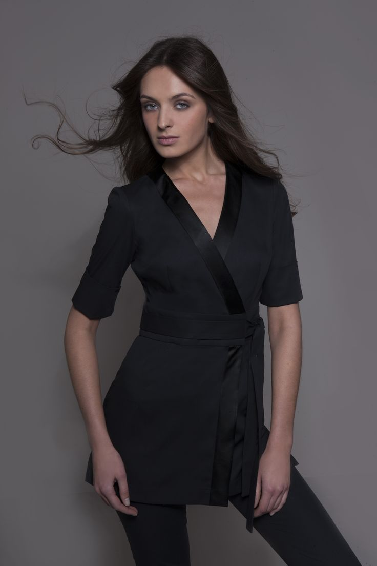 Spa uniform nagoya in black elegant spa tunic for Uniform spa salon
