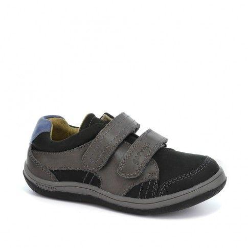 Pantofi de baieti, de la Garvalin, foarte rezistenti, usori si confortabili.
