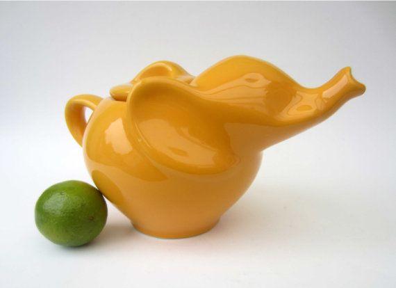 17 best images about elephant tea pots on pinterest ceramics cookie jars and tea sets - Elephant shaped teapot ...