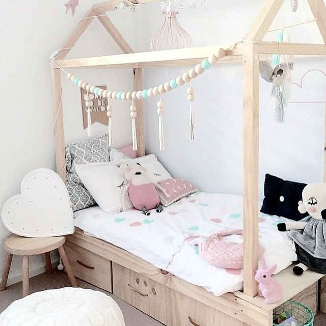 47 best images about babykamer on pinterest grey - Tapisserie chambre d enfant ...