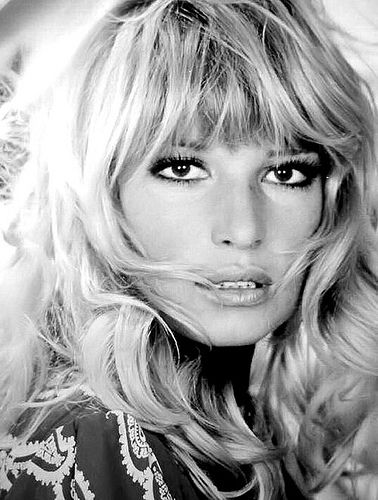 Famous Italians ~ #famousItalians #Italians #celebrities ~ Monica Vitti. Haven't heard much about her but she's gorgeous.
