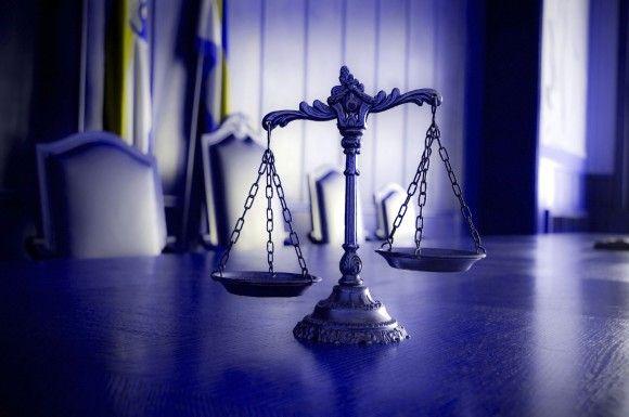 Judge Halves Jury's $1 Billion Punitive Damages Award in J&J Hip Implant Case - http://atosbiz.com/judge-halves-jurys-1-billion-punitive-damages-award-in-jj-hip-implant-case/