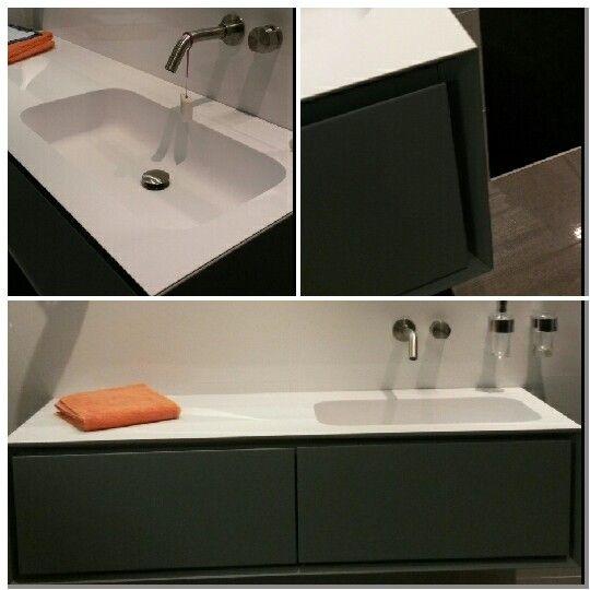 25 beste idee n over onder wastafels op pinterest onder spoelbakken badkamer wastafel opslag - Badkamer meubilair merk italiaans ...