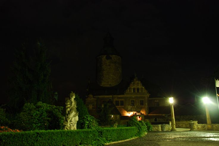 """arriving at night - breathtaking view"" - http://www.tripadvisor.com/ShowUserReviews-g2427055-d2453130-r142741766-Zamek_Czocha-Lesna_Lower_Silesia_Province_Southern_Poland.html"