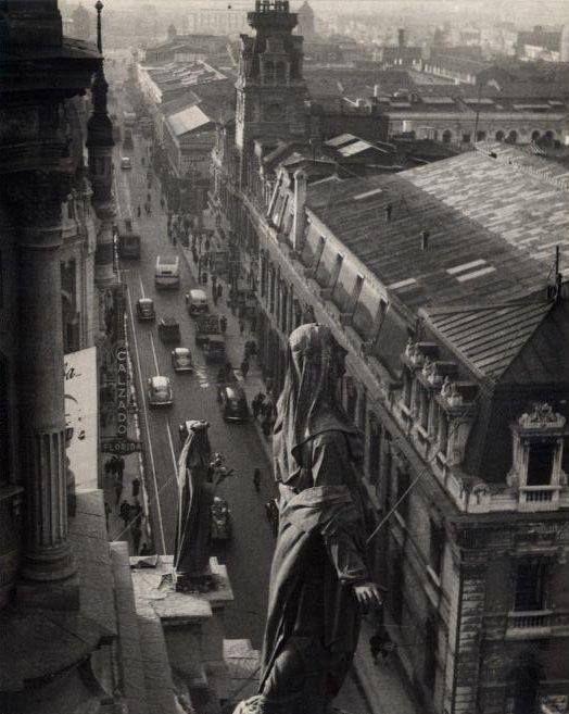 Panorámica de la calle Puente desde la Catedral de Santiago en 1953.