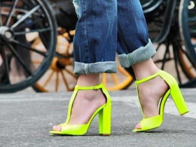 20 Funky Neon Shoes You've Got to Have ...