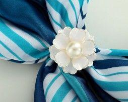 Luxusné ozdoby, brošne, spony, pracky na hodvábne šatky, šály alebo oblečenie len v obchode www.luxusne-doplnky.eu