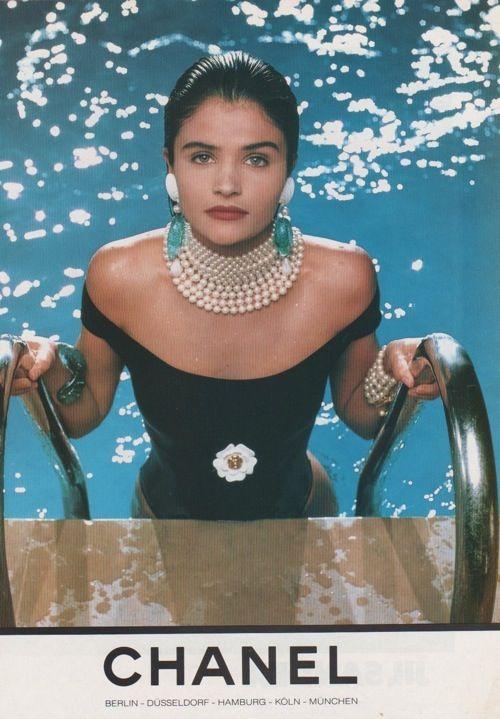 Zee Fashionista: Style is eternal  Chanel Ad 1980s