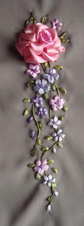 Gallery.ru / Фото #6 - Одежда с вышивкой - Vladna